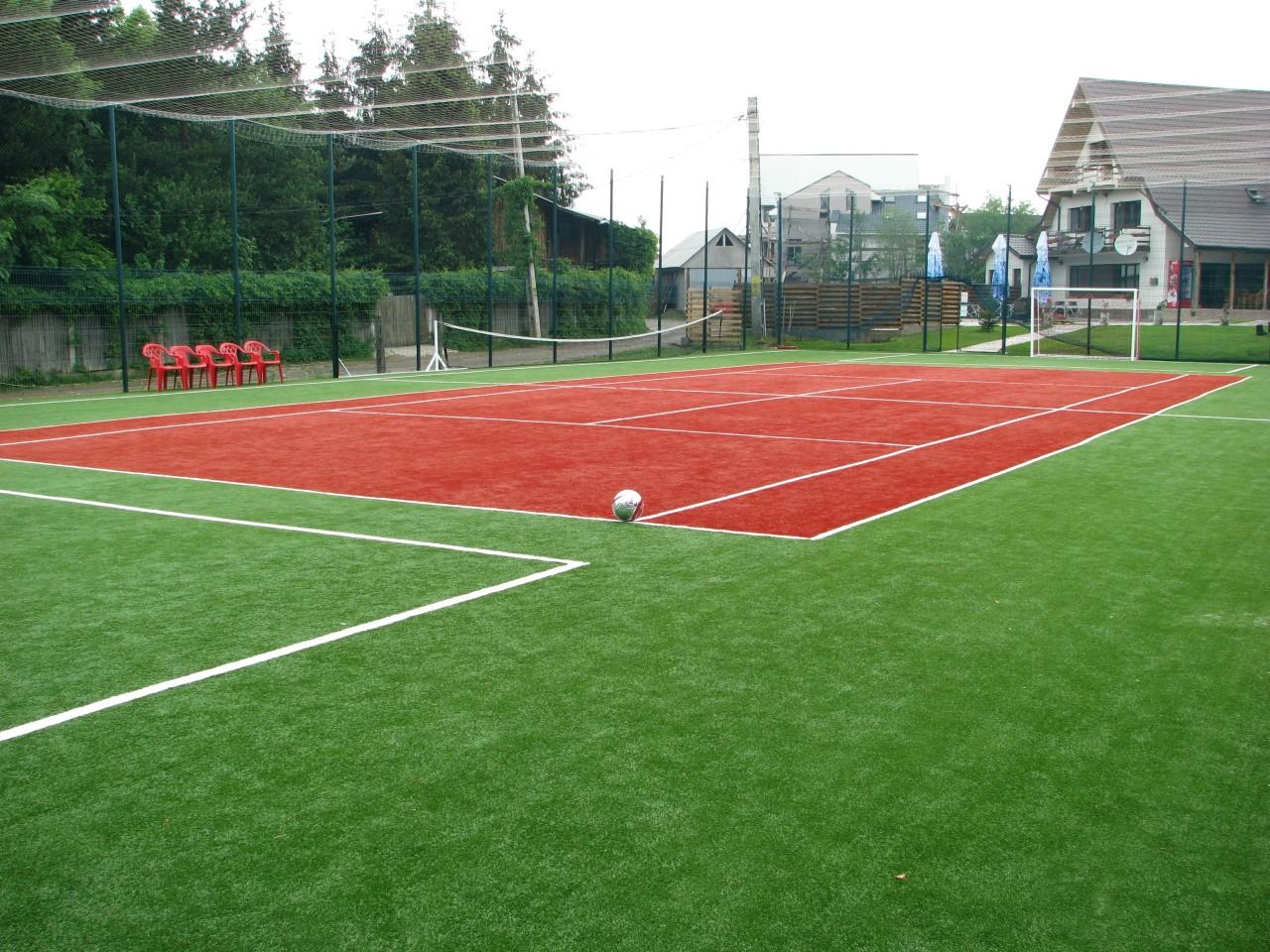 Teren de Fotbal/Tenis